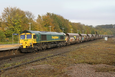 66538 Micheldever 18/10/18 4O56 York Yard South to Eastleigh with more wagons for scrapping
