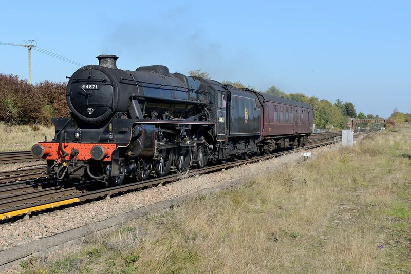 10 October 2018 :: LMS Stanier Class 5, 4-6-0 No. 44871 is pictured at Worting Junction while working 5Z83 from Southall to Swanage