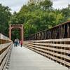 MET 101418 Bridge People