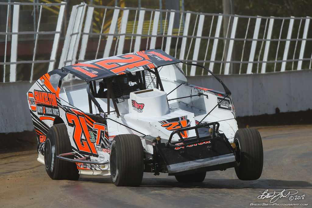 Billy Whittaker Cars 200 - NAPA Auto Parts Super DIRT Week XLVII - Oswego Speedway - 21J Danny Johnson