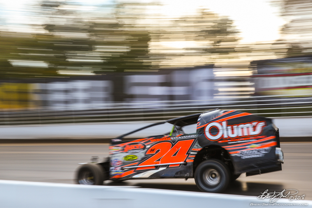Camping World 150 - NAPA Auto Parts Super DIRT Week XLVII - Oswego Speedway - h24 Mike Mahaney