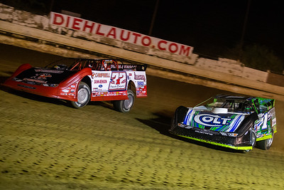 Bobby Pierce (32) and Josh Richards (1)