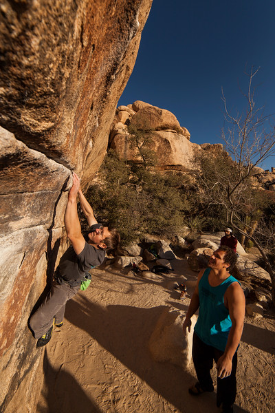After flashing the left-to-right variation, Pat moves on to also show little difficulty with the right-to-left variation on <i>Gunsmoke Traverse V3</i>.
