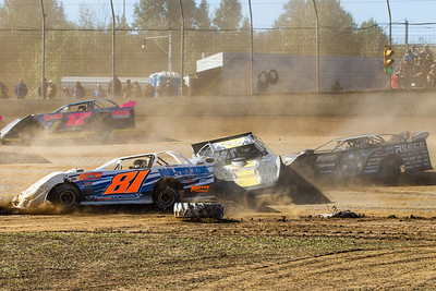 Shannon Thornsberry (17), Brandon Fouts (81F), Jason Covert (72) and Scott Bloomquist (0)