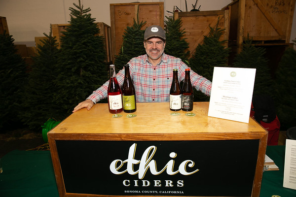 2018.11.30 The Guardsmen Tree Lot-Decemberfest Craft Beer Night