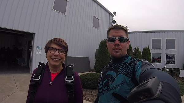 1231 Nora Mollmann Skydive at Chicagoland Skydiving Center 20180908 Eric Eric