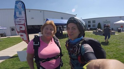 1252 Jamie Beck Skydive at Chicagoland Skydiving Center 20180912 Amy Amy