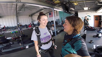 1623 Olivia Franzen Skydive at Chicagoland Skydiving Center 20180915 Amy Amy