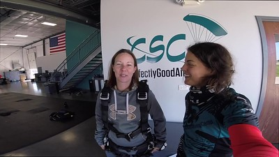 1256 Kelly Higgins Skydive at Chicagoland Skydiving Center 20180922 Amy Amy
