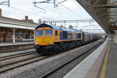 19 September 2018 :: Diverted through Newbury due to line closure at Bristol Parkway is 66774 with steel train 6V30 from Grain to Margam