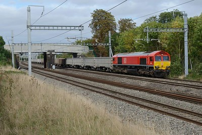 18 September 2018 :: 66017 is passing Lower Basildon working 6C58 from Banbury Road Oxford to Whatley