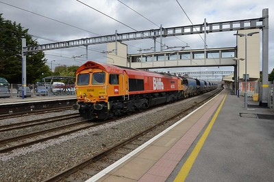 19 September 2018 :: 66783 'The Flying Dustman' is passing through Newbury working 6V79 from Angerstein to Pengam