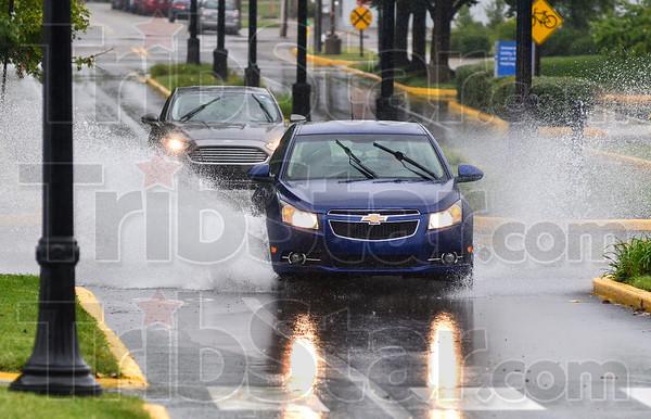 MET 090818 Rain Splash