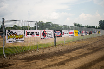LOLMDS pit banners