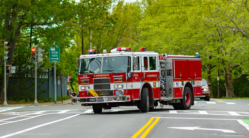 Cambridge Engine 9 turning on to Huron Ave.