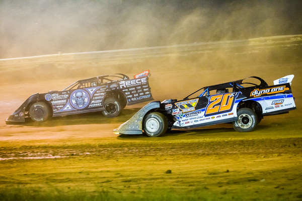 Scott Bloomquist (0) and Ricky Thornton, Jr. (20RT)