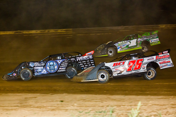 Scott Bloomquist (0), Brandon Overton (76) and Josh Richards (1)