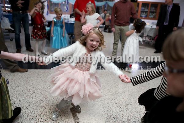 180106_Daddy_Daughter_Dance02_MS.JPG
