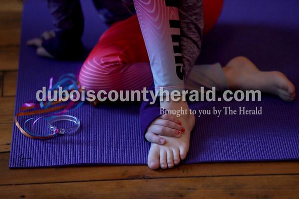 180114_Mommy_Me_Yoga03_MS.JPG