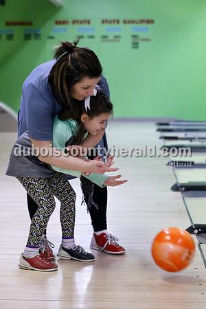 180118_BowlingFeature01_BL.jpg