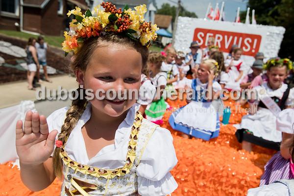 180805_StrassenfestParade01_NWA.JPG