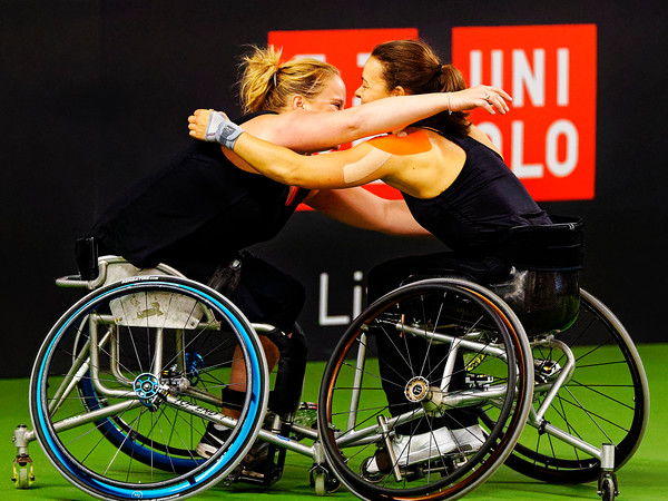 01.02c Aniek van Koot and Marjolein Buis very happy - Wheelchair Doubles Masters 2018