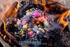 Bolivia : Quema de una mesa en un ritual andino / Burning a table in an Andean ritual / Bolivien : Ritual - Religion © Patricio Crooker/LATINPHOTO.org