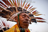 Bolivia : Headdress made of bird feathers / Fiesta de la selva boliviana en el pueblo de San Ignacio - tocado hecho de plumas de ave / Bolivian jungle festival in the town of San Ignacio - bird's feather / Bolivien : Festival in San Ignacio , Kopfschmuck aus Vogelfedern © Patricio Crooker/LATINPHOTO.org