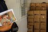 Venezuela : La crisis venezolana ha golpeado no solo el bolsillo sino tambien el estomago enta a precios solidarios de productos alimenticios por medio del programa CLAP ( Comités Locales de Abastecimiento y Producción ) / Venezuelan economic crisis has hit not just the pocket of the citizens , also the stomach; national government has developed a program for selling main food items at low prices through CLAP ( Local committees of production and supply ) / Venezuela : Die nationale Regierung hat ein Programm für den Verkauf von Hauptnahrungsmitteln zu niedrigen Preisen durch CLAP ( Lokale Komitees für Produktion und Versorgung ) entwickelt © Luis Cabrera/LATINPHOTO.org