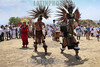 Mexico : Danzantes bailan en el equinoccio para ehécatl , pidiendo buen tiempo para la siembra en esta primavera / Dancers dance at the equinox for ehécatl, asking for good weather for planting this spring / Mexiko : Ritueller Tanz bei den Piramiden in Acozac - Azteken - Sonnenwende - Frühlingsfest © Octavio Torres Tapia/LATINPHOTO.org