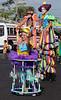 El Salvador : III Sombrilla Fest 2018 - Día Mundial del Circo Social - Artistas circenses de varios países desfilan en el Centro Histórico de San Salvador / III Parasol Fest 2018 - World Day of the Social Circus - Circus artists from various countries parade in the Historic Center of San Salvador / El Salvador : Welt - Circus - Tag 2018 - Zirkuskünstler aus verschiedenen Ländern zeigen am 7.4.2018 in der Altstadt von San Salvador ihre Kunststücke © Antonio Herrera Palacios/LATINPHOTO.org