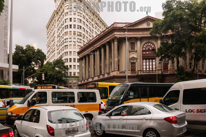 Brasil : Rio de Janeiro / Brasilien : Strassenverkehr in Rio de Janeiro © Santiago Debenedetti/LATINPHOTO.org