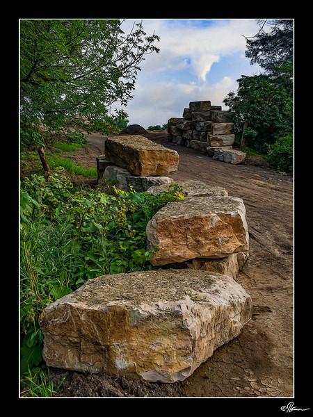 Mois 8 - Roche, pierre ou rocher 1 de 5