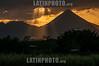 Costa Rica : Volcán Arenal / Arenal Volcano , San Carlos / Costa Rica : Der Arenal ist der aktivste und zugleich jüngste Vulkan von Costa Rica sowie einer der aktivsten Vulkane der Welt © Andrea Díaz-Perezcahe/LATINPHOTO.org