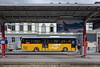 Postauto beim Bahnhog in Brig © Patrick Lüthy/IMAGOpress
