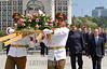 CUBA - LA HABANA 21/04/2018 El presidente de  venezuela Nicolas Maduro junto al vicecanciller cubano Rogelio Sierra , participan en la ceremonia de Ofrenda Floral al Héroe Nacional cubano José Mart en la Plaza de la Revolución de La Habana, Cuba / Venezuelan President Nicolás Maduro Moros lays down a wreath of flowers on Revolution Square in Havana during his state visit to the memorial of Cuban national hero José Martí / Kuba : Der venezolanische Präsident Nicolas Maduro und dem kubanischen Vizekanzler Rogelio Sierra während einer Ehrung an der Gedenkstätte des kubanischen Nationalhelden José Martí auf dem Platz der Revolution in Havanna © Ernesto Mastrascusa/LATINPHOTO.org