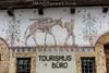 Wandbild mit Motiv aus dem Weltkrieg beim Tourismus Büro in Ernen © Patrick Lüthy/IMAGOpress