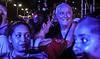 Cuba : Concierto en Cuba de Gilberto Santa Rosa ( cantante ) , en Malecón y 23, La Habana / Kuba : Besucher am Konzert von Gilberto Santa Rosa in Havanna © Ariel Cecilio Lemus/LATINPHOTO.org