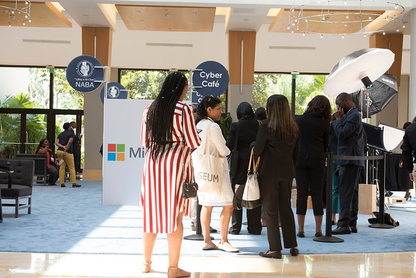 Microsoft Cyber Café- Linked-In Bar - 008