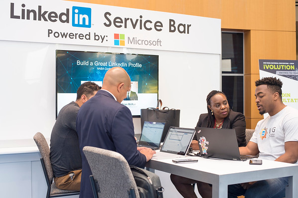 Microsoft Cyber Café- Linked-In Bar - 013