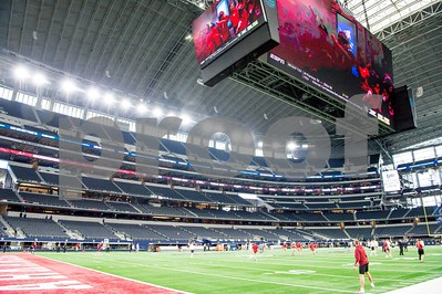 Texas A&M vs  Arkansas Razorbacks. Game played at the AT&T Stadium