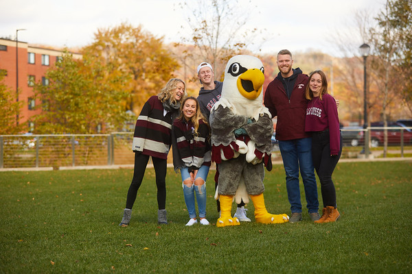 2019 UWL Fall Colors Students Vanguards Outside 0052