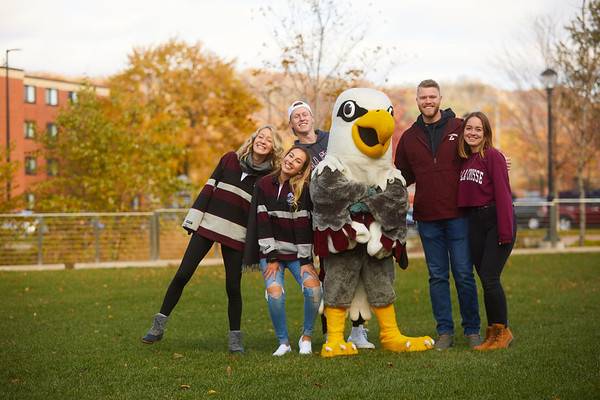 2019 UWL Fall Colors Students Vanguards Outside 0048