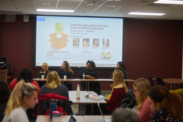 2019 UWL CBA Women Entrepreneurs Panel 0051
