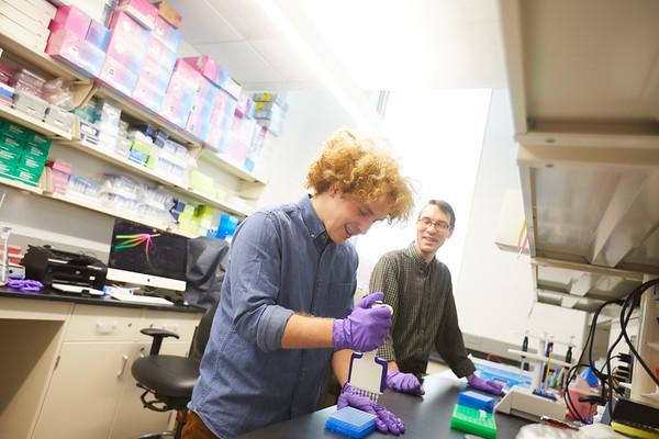 2019 UWL Biology Todd Osmundson Interns from Carlton College   0090