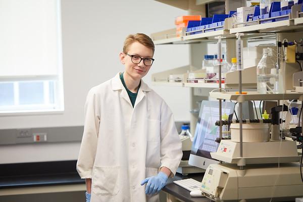 2020 UWL Eagle Apprentice  Sumei Liu Matthew Wright Biology Lab 0009