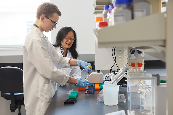 2020 UWL Eagle Apprentice  Sumei Liu Matthew Wright Biology Lab 0132