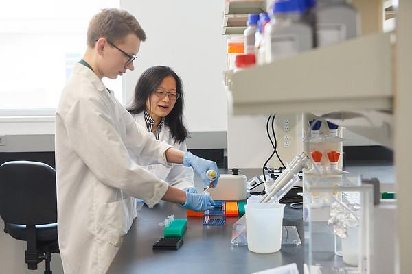 2020 UWL Eagle Apprentice  Sumei Liu Matthew Wright Biology Lab 0133