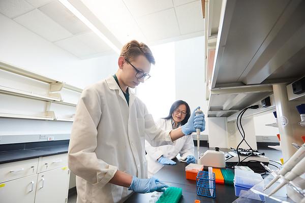 2020 UWL Eagle Apprentice  Sumei Liu Matthew Wright Biology Lab 0077
