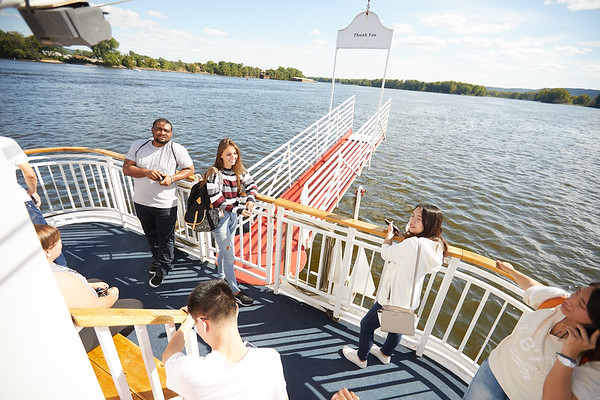 2019 UWL IEE Student La Crosse Queen Riverboat Tour 0040